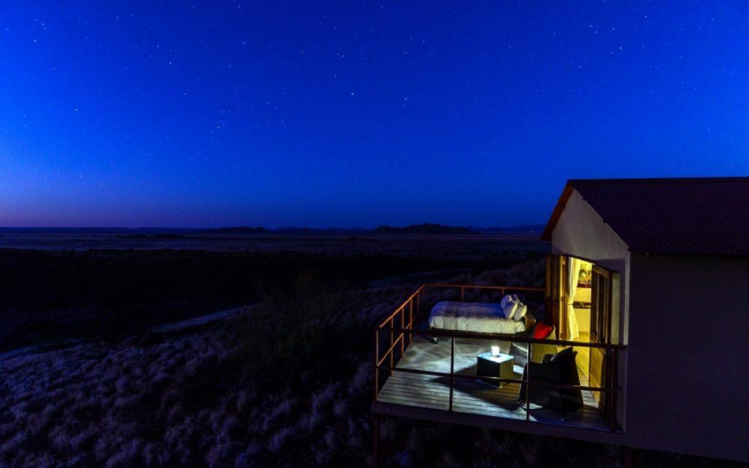 En comptant les étoiles filantes au Namib Dune Star Camp